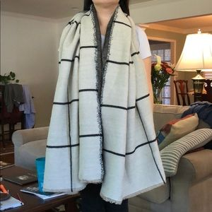 Accessories - Cream and Black Blanket Scarf